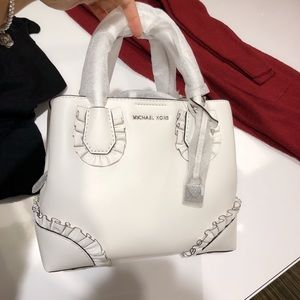 ✨Michael Kors Mercer Gallery Small Ruffled Satchel